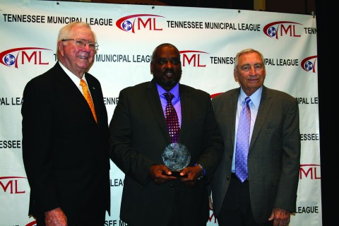 Dodd receives Bob Kirk Award