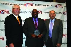 Dodd receives Bob Kirk Award